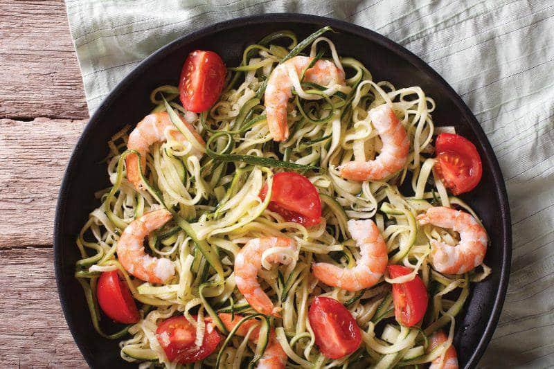 La recette du mois : Spaghettis de courgettes au pesto et crevettes